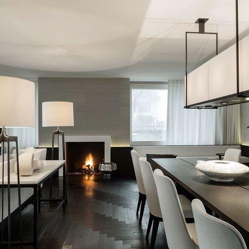 Exklusives Wohnzimmer mit Kamin