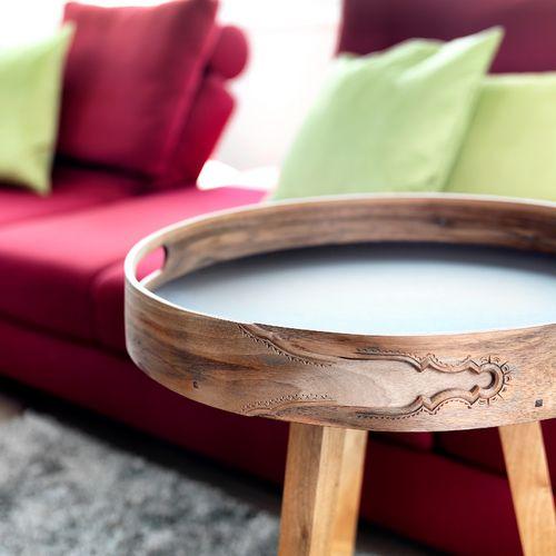 Individuelles Wohnzimmer Detail Tische Holz