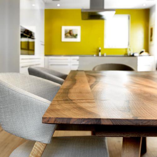 Individuelle Wohnräume Esszimmer Holztisch
