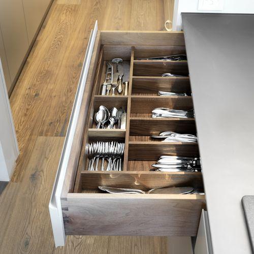 Innearchitektur Küche Detail Schublade Holz