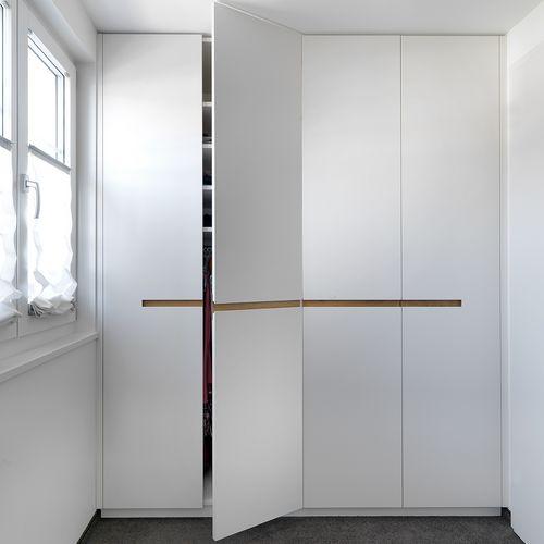 Innenarchitektur Holzschrank
